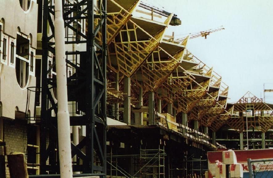 De Kubuswoningen in aanbouw