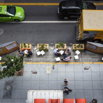 Gluren bij de buren: vijf voorbeelden hoe terrasvlonders het straatbeeld leuker maken